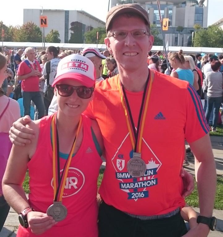 Athlet Thomas glücklich beim Marathon-Finish