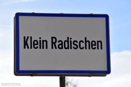 Klein Radischen in Niederösterreich - lustige Ortsschilder Österreich