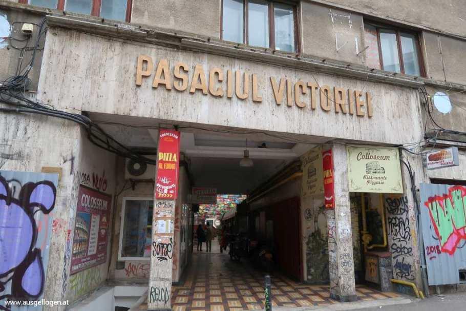 Regenschirmstraße Pasajul Victoria