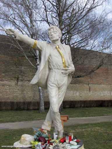 Michael Jackson Statue Mistelbach