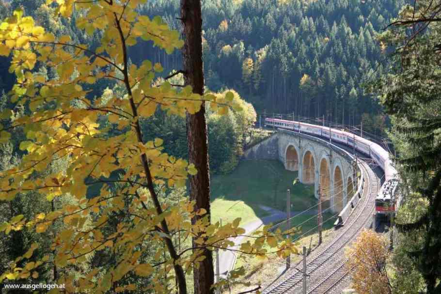 Der Semmering BAHNWANDERWEG: eine Trainspotting-Wanderung