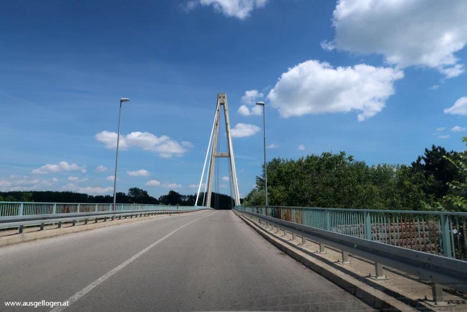 Brücke über die Theiß Ada