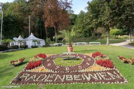 Baden Kurpark Blumenuhr