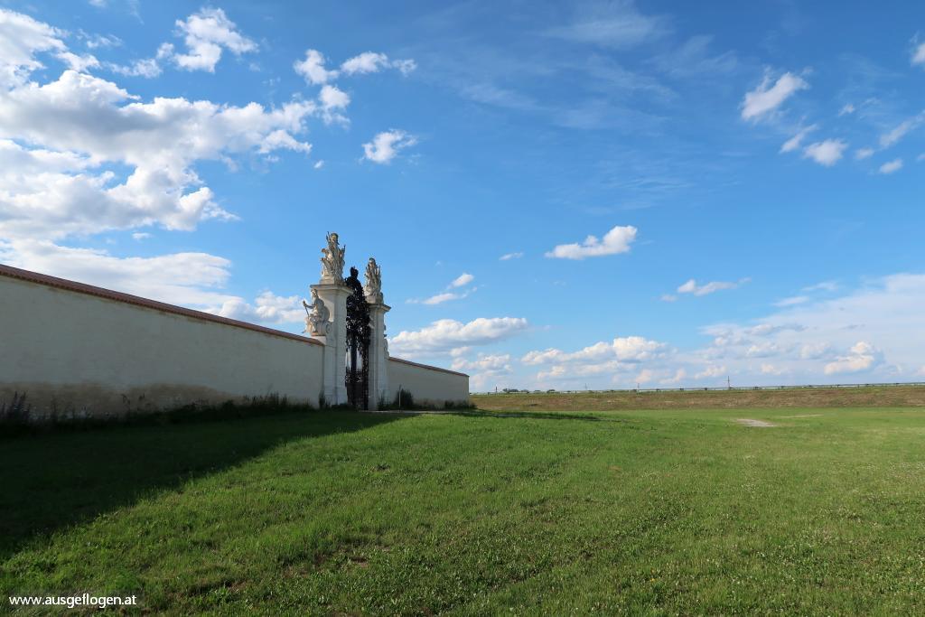 Grenze March Schloss Hof