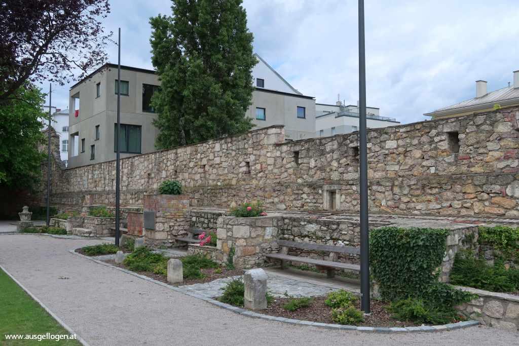 Wiener Neustadt Sehenswürdigkeiten St. Peter an der Sperr Bürgermeistergarten