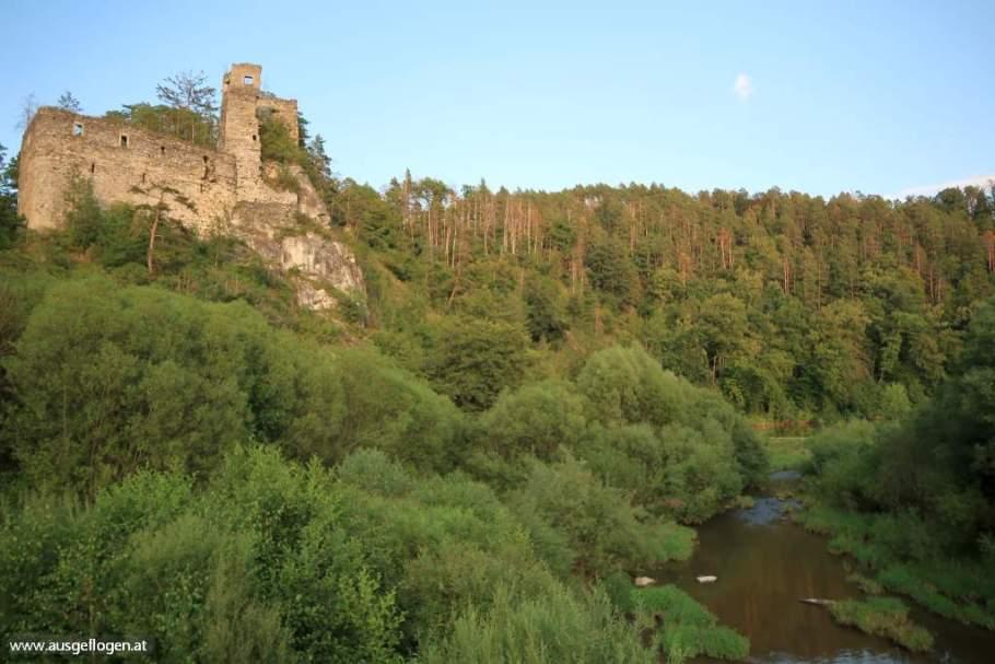 von Ruinen, Burgen & Schlössern: Hardegg bis Weikertschlag