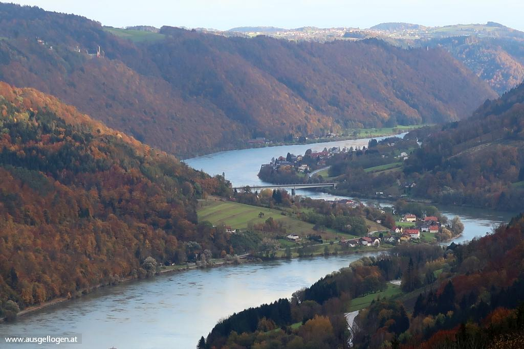 Donau Oberösterreich Sauwald Panoramablick Donautal bei Engelhartszell