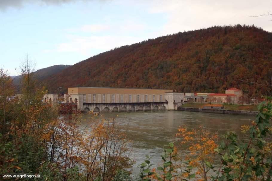 Kraftwerk Jochenstein Donau Oberösterreich Grenzübergang