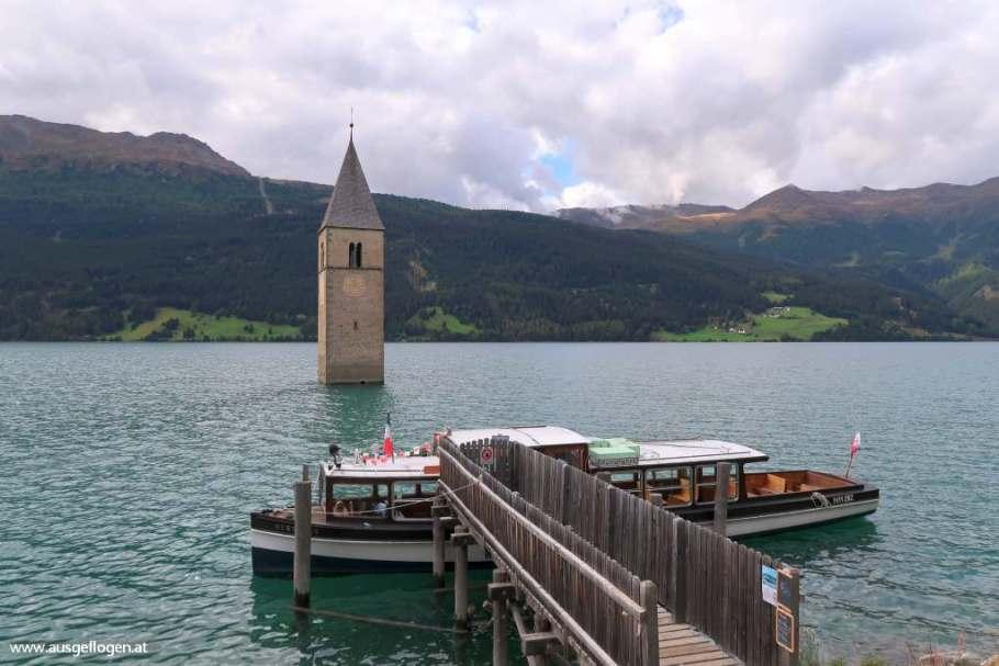 Kirchturm im Reschensee Graun im Vinschgau Tirol schöne Orte