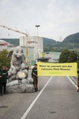 Protestaktion vor dem AKW Beznau 2013