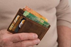 Bieten Geldtransfer Anbieter auch kostenlose Überweisungen an?