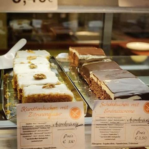 Heute gibts wie immer ganz viele frische Kuchen bei Maranhellip