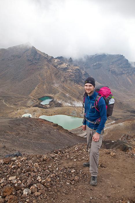 David mit Emerald Lakes im Hintergrund