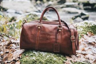 Weekender Tasche im Wald