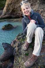 Kathi spielt mit Seehund