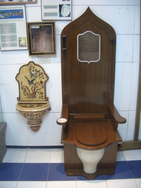 sulabh-museum-toilets