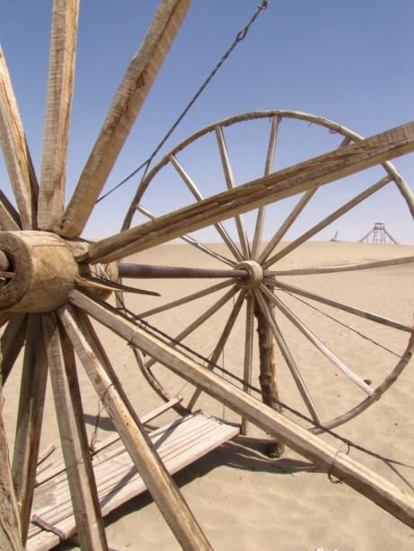 Wagon wheel in the desert