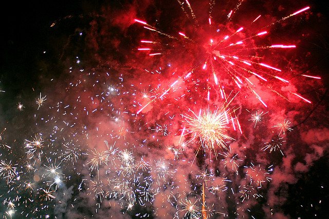 hogmanay new year fireworks scotland edinburgh