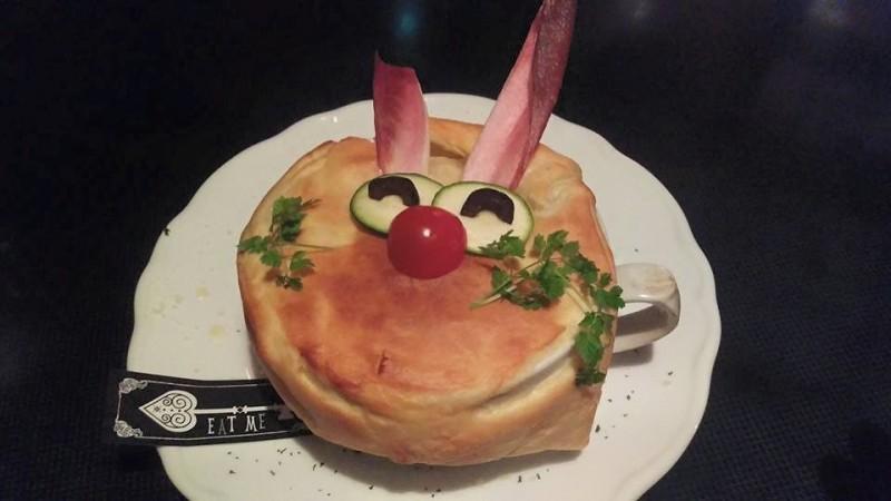 Alice in wonderland cafe tokyo