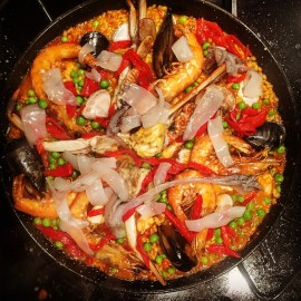 A delicious seafood paella