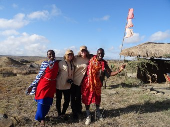The girls from Shadows of Africa bid farewell to the super friendly staff.