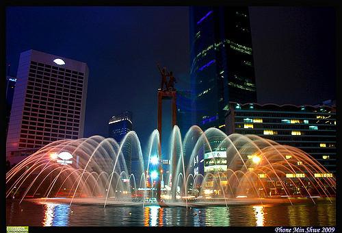 jakarta fountain night