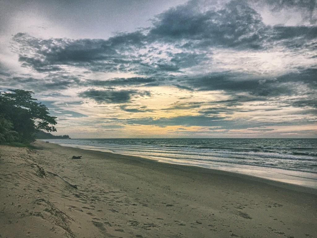 tempurung seaside resort beach