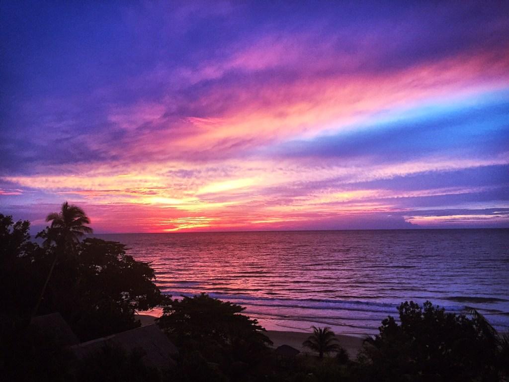 tempurung seaside hotel sunset