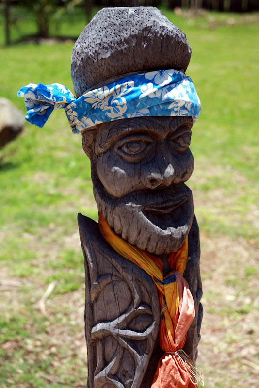 wooden figure new caledonia