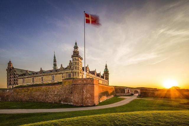hamlet castle denmark kronborg
