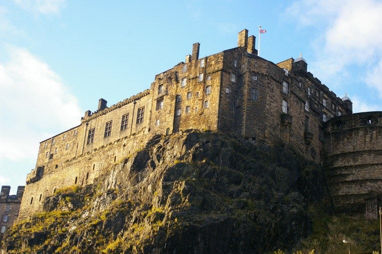edinburgh castle uk road trip