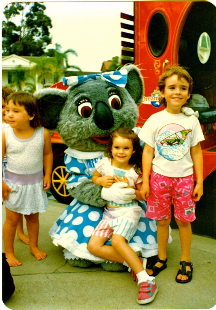 dreamworld childhood vacation