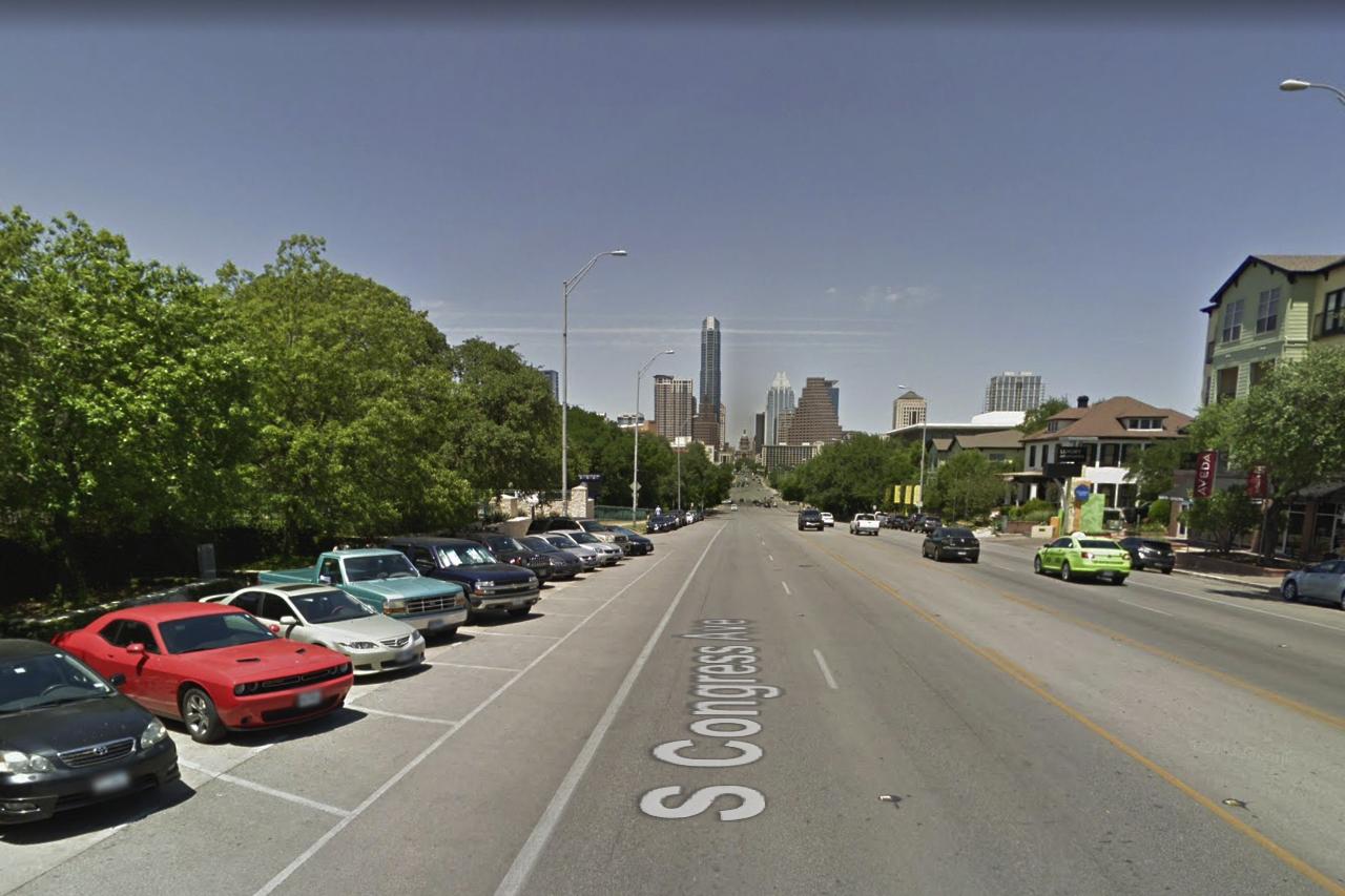 Free street parking along south congress avenue