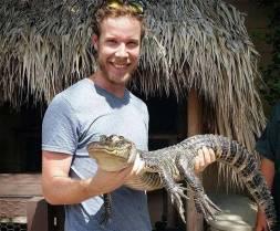 Holding a Gator...no tape
