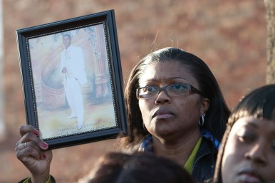 Anthanette Marsh, who lost her son, Archie, to gun violenceDAVID PIERINI/Staff Photographer