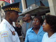 Then-15th District Commander Al Wysinger speaking with residents in September 2005 at the grand opening of the district's new police headquarters at 5701 W. Madison. Wysinger was promoted to first deputy superintendent, the department's No. 2 spot, in 2011. (File 2005)