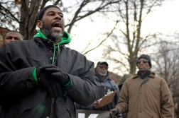 Naylend Walker talks about the working conditions last Monday, during a Black Workers Matter press conference outside on Arytza on Narragansett Avenue in Chicago's Galewood neighborhood. | ALEXA ROGALS/Staff Photographer