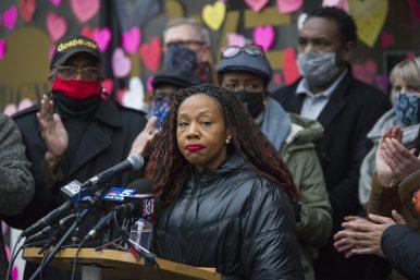 Austin native Reesheda Graham-Washington spoke Thursday about the recent racist attack on her Oak Park business. | Alex Rogals
