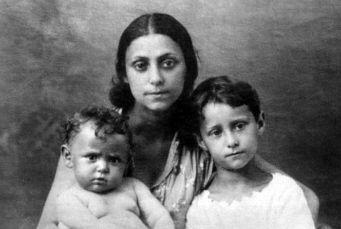 Рахиль с детьми Майей и Александром