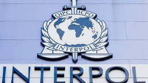 INTERPOL recoit de la Bdeac  1,7 milliard de FCFA pour  sécuriser  la libre circulation des personnes en zone Cemac