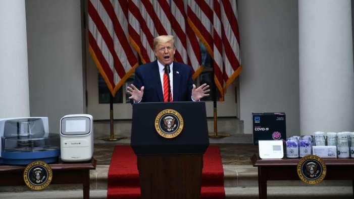 «Demandez à la Chine!»: Trump quitte sa conférence de presse après un vif échange avec une journaliste