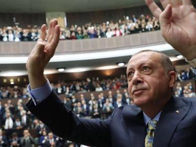Erdoğan ne souhaite plus être le nouvel empereur ottoman, mais devenir le calife