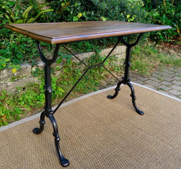 BISTRO Table Ancienne Pieds En Fonte Et Plateau