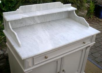 meuble ancien salle de bain marbre