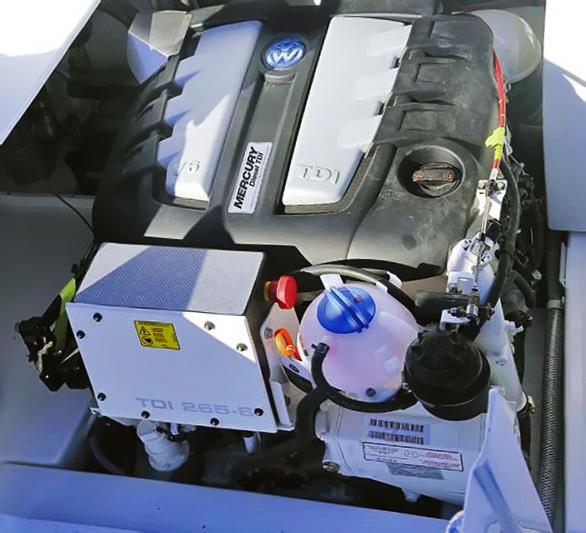 Silnik VW montowany w łodziach spotkamy również pod nazwami Mercury i MerCruiser - możemy go odnaleźć w wielu wariantach mocy i pojemności, bazą do jego budowy były silniki VW