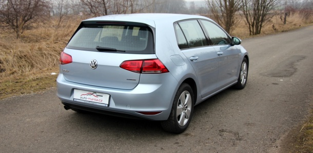 test-volkswagen-golf-16-tdi-bluemotion-p2