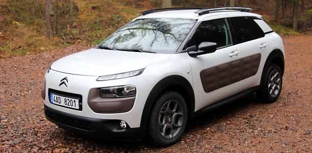 test-citroen-c4-cactus-16-eHDi-AT-p1