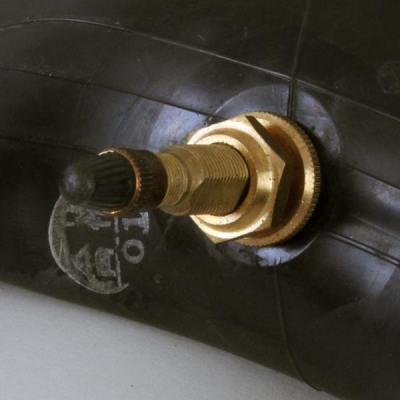 Accessoires pneus Facel V8