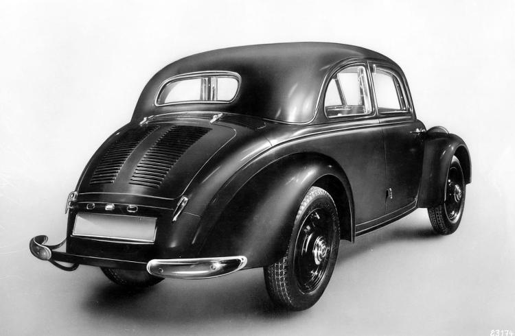 19- Mercedes 130