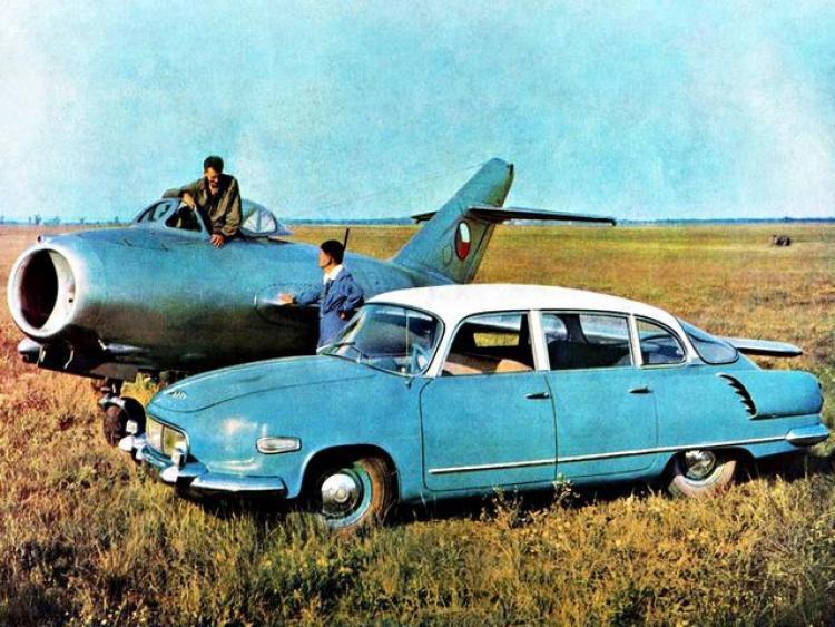 46- Tatra 603